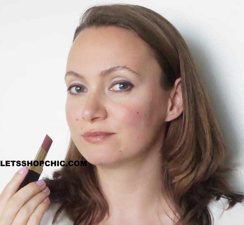Chanel Rouge Coco Flash Lipstick 56 Moment lips