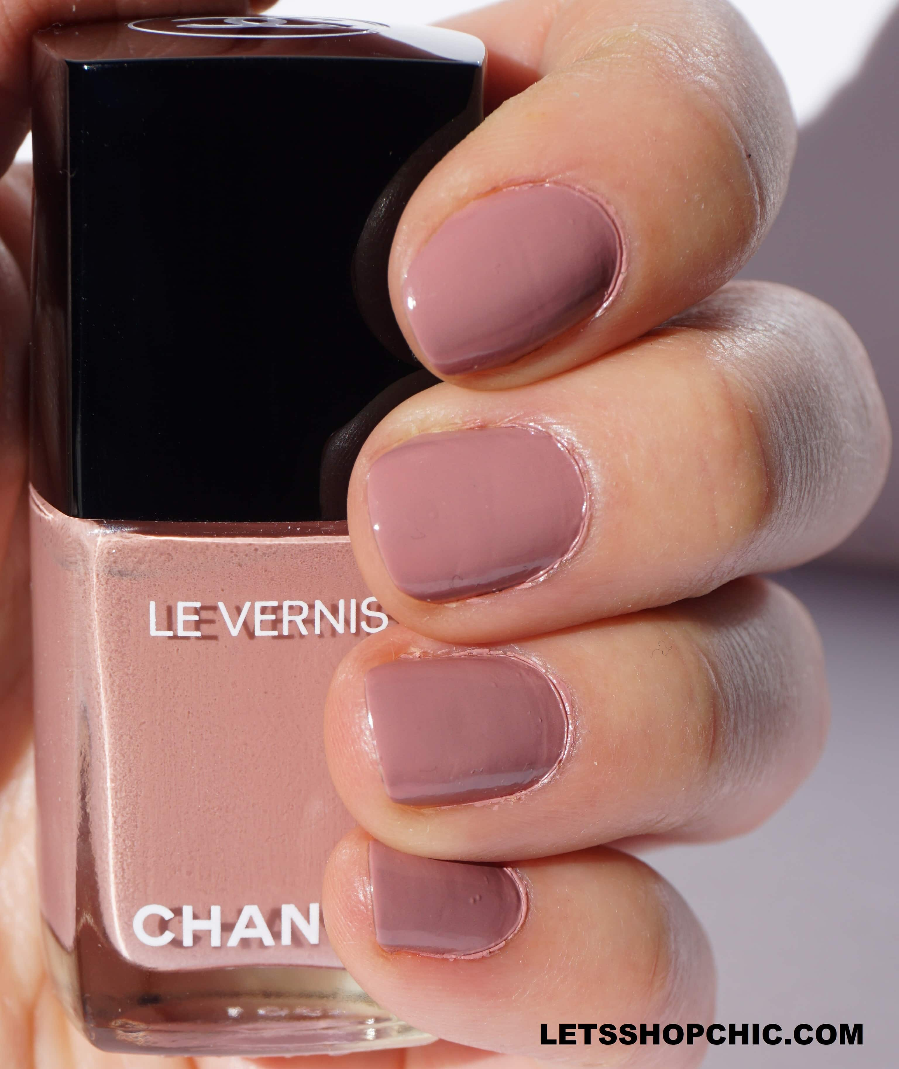 Chanel Le Vernis nail polish 735 Daydream