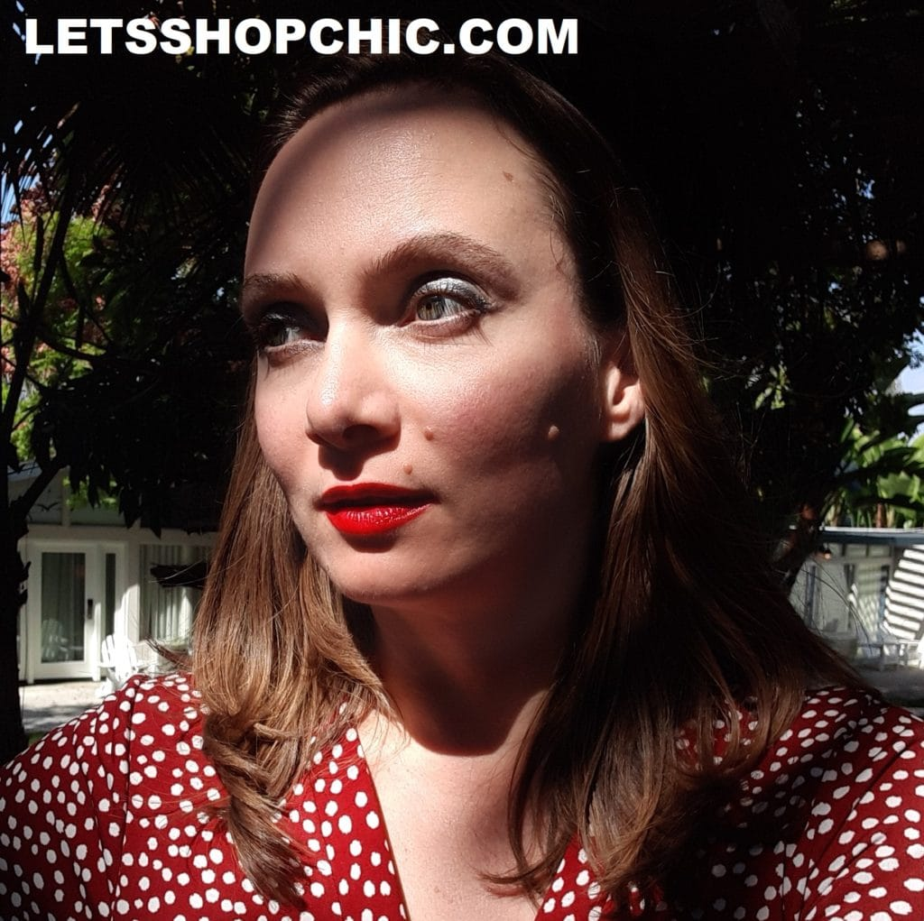 Chanel Rouge Allure Lipstick 176 Independante on lips